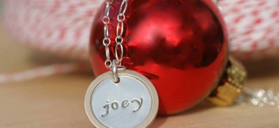 Personalized mom necklace for Christmas