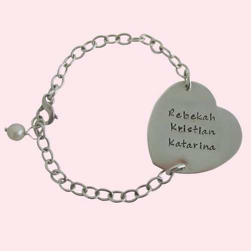 Personalized Heart Mom Bracelet