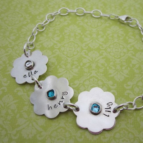 Scalloped Birthstone Moms Bracelet