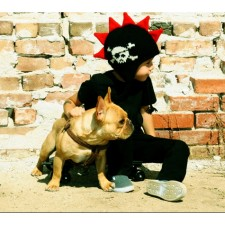 mohawk hat for kids in black and red with skull